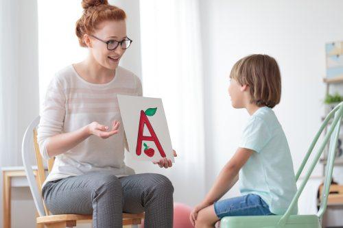 英語教育をする親子